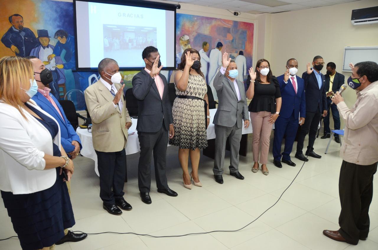 Director del Servicio Regional VI de Salud El Valle, Dr. Juan Francisco Acosta Alcántara, deja juramentadas las autoridades de salud de la provincia de Azua.