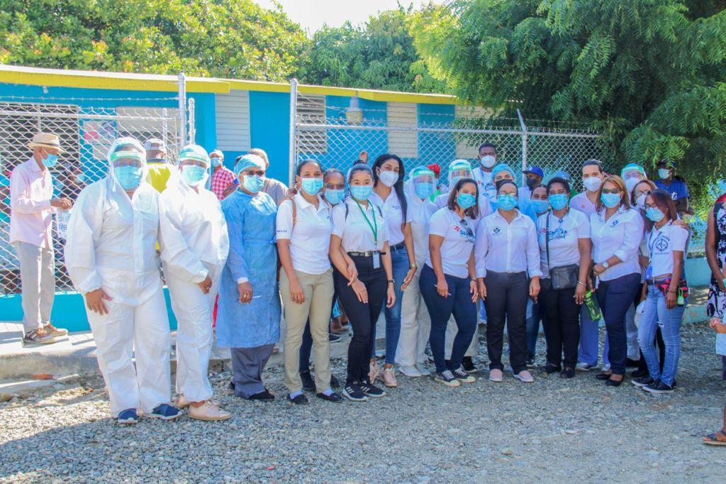 El Servicio Regional de Salud El Valle realiza operativo medico en la comunidad El Batey en San Juan