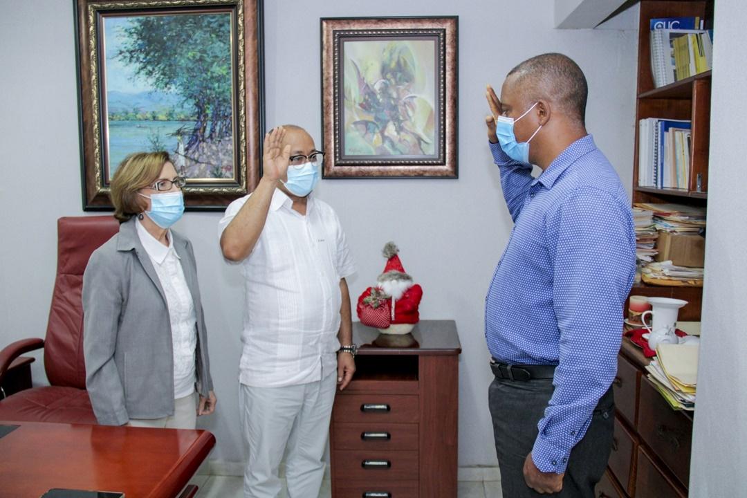 Dr. César Benzan posesiona nuevo incumbente en Centro de Diagnostico de Las Matas de Farfán.