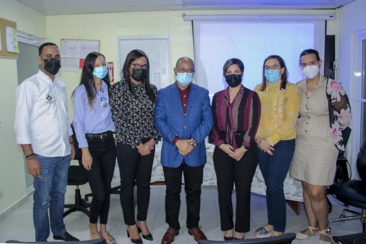 Director y encargados departamentales del SRS EV, analizan indicadores  sobre Tuberculosis y VIH